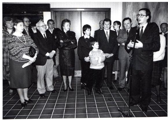 De opening van Hof ter Velden dertig jaar geleden werd gevierd met heel wat genodigden. De opbrengst ging naar het goede doel.