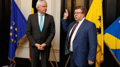 Koenraad Degroote legt voor zesde keer de eed af als burgemeester