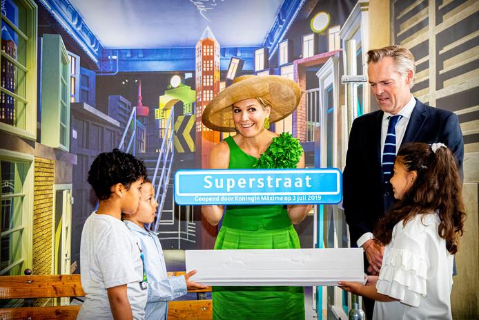 Koningin Maxima opent de Superstraat in het Wereldmuseum.