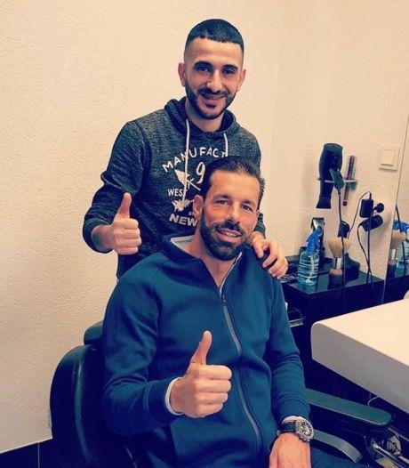 Na een paar jaar in Nederland opent Mohammad al zijn eigen kapsalon in Oss