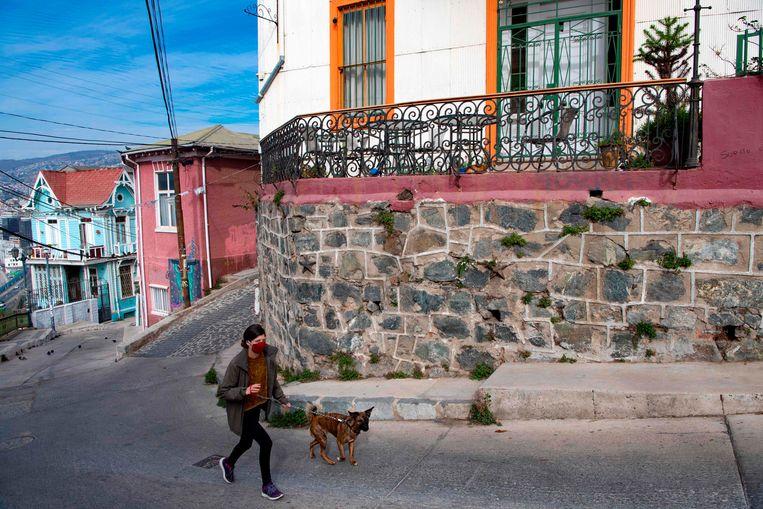 Valparaiso in Chili, waar het coronavirus momenteel voor veel besmettingen zorgt. Beeld AFP