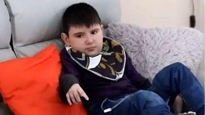Nolan eet besmette hamburger van Lidl, 8 jaar later overlijdt hij aan gevolgen