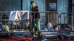 Aantal asielaanvragen afgelopen zomer licht gestegen, momenteel recordaantal migranten op Griekse eilanden