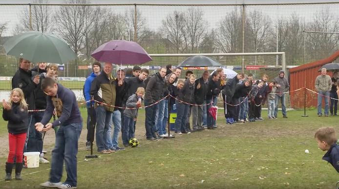 Beeld eier gooien uit filmpje WVF Zwolle