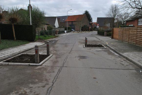 De nieuwe plantvakken in de Neerhofstraat.