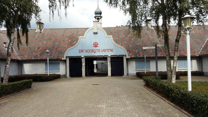 De hoofdingang van De Voorste Venne.