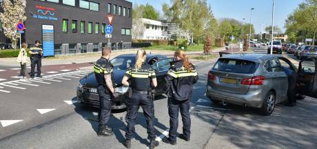 Een gewonde bij botsing tussen twee auto's in Oisterwijk