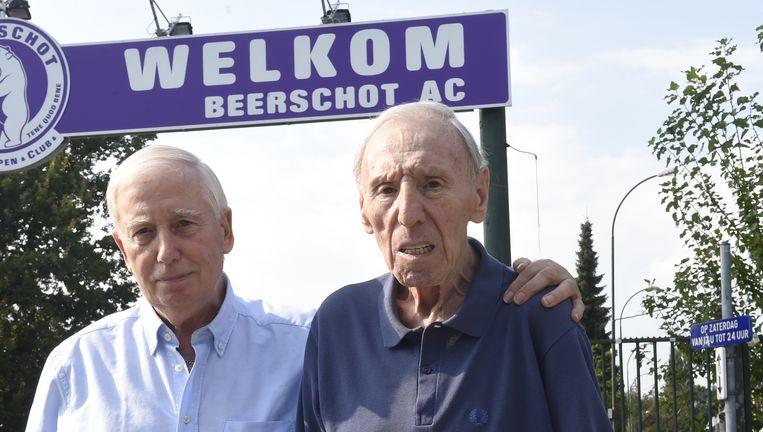 Rik Coppens (r) met zijn vriend Jean Verrept op een recent beeld.