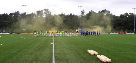 Tweeduizend supporters bij eerste training Vitesse