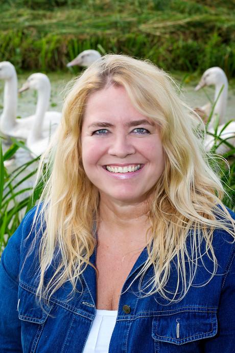 Geen straffen opgelegd in zwanendriftzaak, Saskia van Rooy vrijgesproken