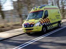 Fietser overleden na aanrijding met vrachtwagen in Muiden