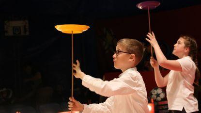 Leerlingen ontpoppen zich tot circusartiesten
