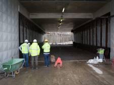 Bekladde tunnel Elst schoongemaakt