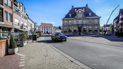 Dronken fietser knalt tegen wagen en vlucht te voet weg