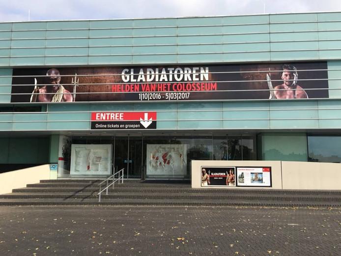 De voorzijde van Museum Het Valkhof.
