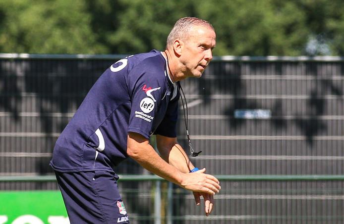 NEC-trainer Adrie Bogers.