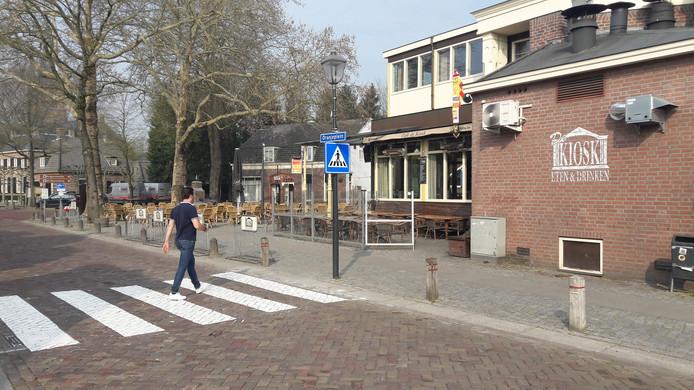 Veilig oversteken ter hoogte van het Oranjeplein.