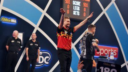 Twee Belgen bij de laatste zestien! Ook Dimitri Van den Bergh stoot op WK darts door naar achtste finales na pittig duel