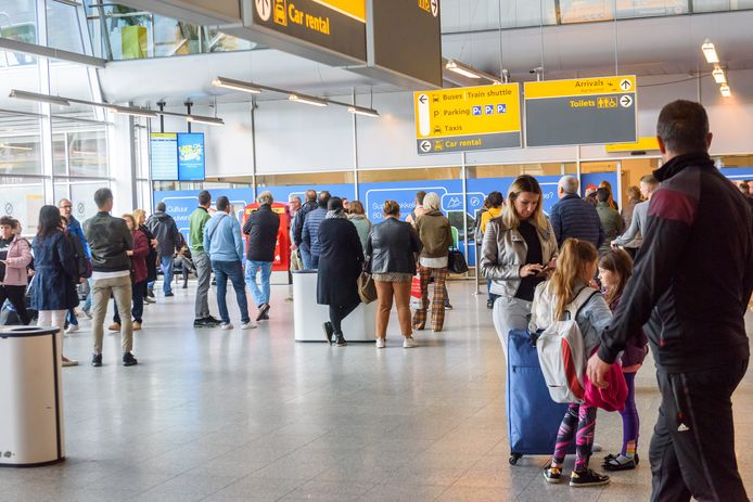 De vertrekhal van Eindhoven Airport (archieffoto).