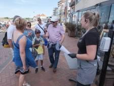 Walcherse terrassen bevolkt door blij publiek