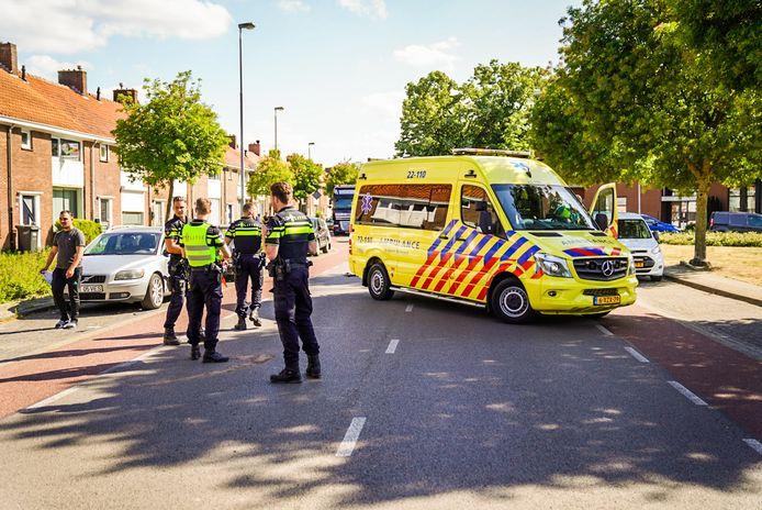 Scooterrijder gewond als bestuurder autodeur opengooit in Eindhoven.