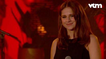 Laura Tesoro brengt een catchy versie van 'One Of It' van Milow in 'Liefde Voor Muziek'