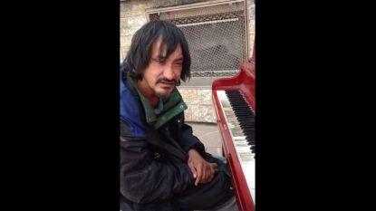 Het ontroerende verhaal van Ryan: dakloos en broodmager, maar geboren pianovirtuoos