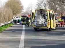 Vier zwaar gewonden bij frontale aanrijding op B9 bij Kranenburg