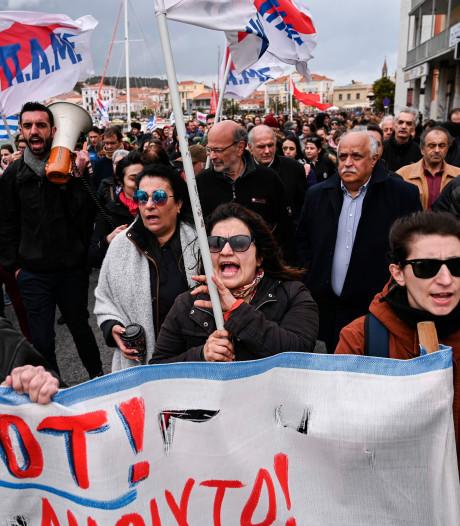 Derde dag protesten Griekse eilanden: 'Wij dragen de last van de vluchtelingencrisis'