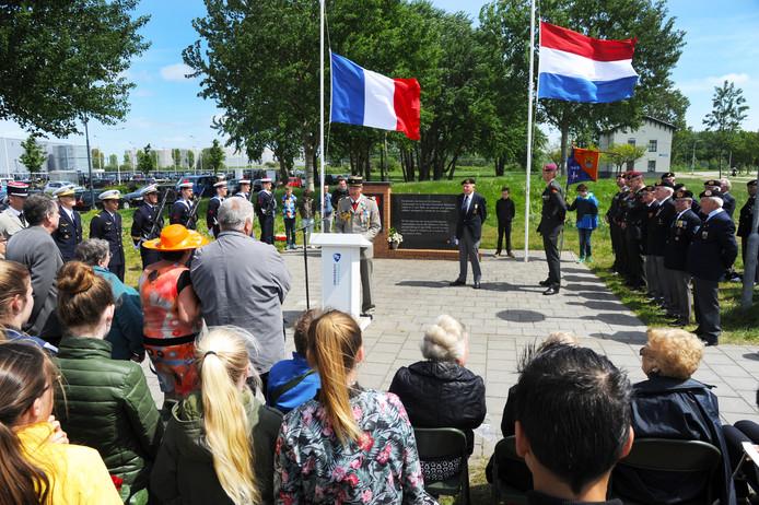 Plechtige en waardige herdenking voor gesneuvelde Franse generaal.