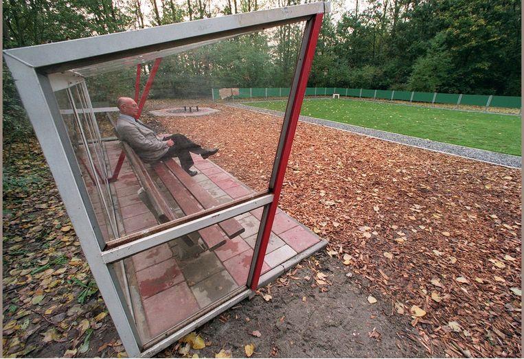 Het Ajax-verstrooiveld met de originele grasmat uit voetbalstadion De Meer. Beeld anp