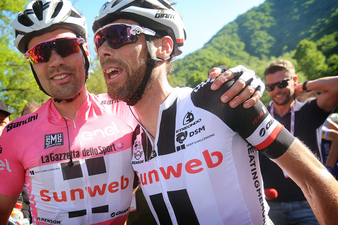 Ten Dam (r) met Dumoulin.