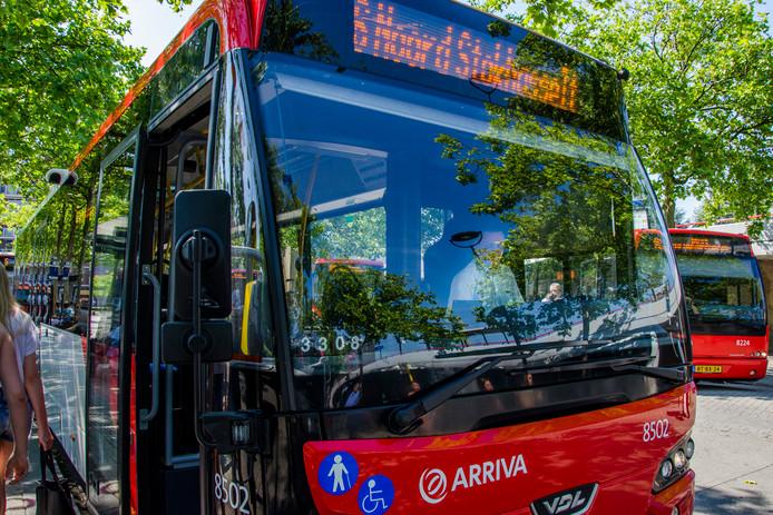 Een stadsbus in Tilburg (archieffoto).