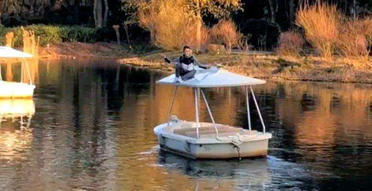 De jongen op het bootje in de Gondoletta