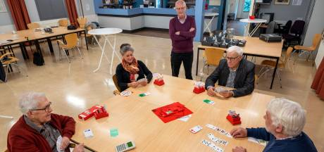 Bridgeclub Doorwerth is meer dan kaartje leggen: 'Hier ontstaan vriendschappen en zelfs relaties'
