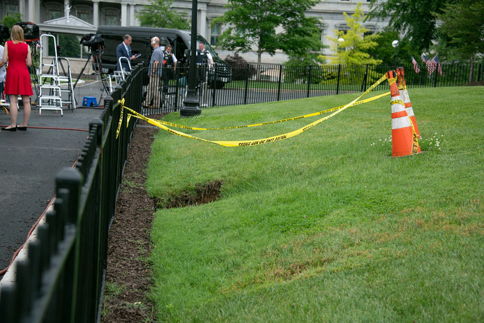 Het zinkgat ontstond pal bij de perskamer van het Witte Huis