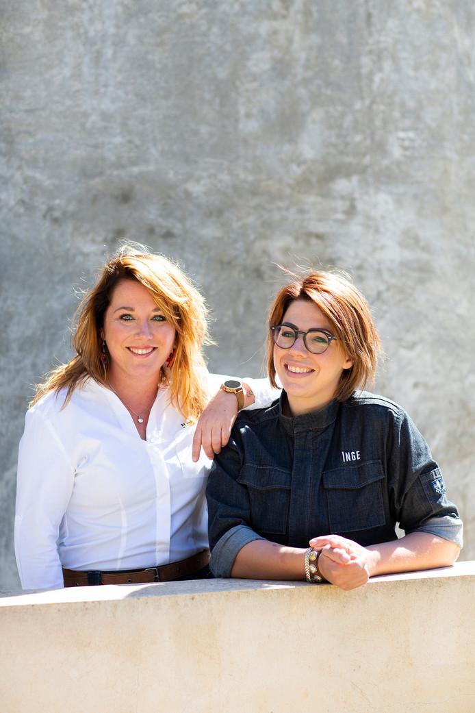 Eigenaresse Nina Vogels (links) en chefkok Inge van den Hout van restaurant TwentyNine in Veghel.