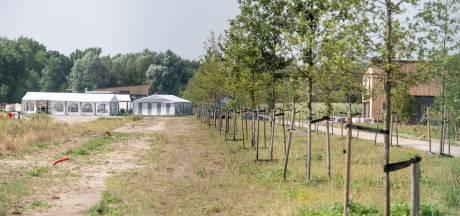 Buren nieuwe Almelose kerk stappen naar rechter: 'Dat wordt geen opslag, maar een kantine met terras'