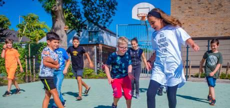 Kamil gaat naar een inclusieve school: 'In de klas hoort hij er echt bij'