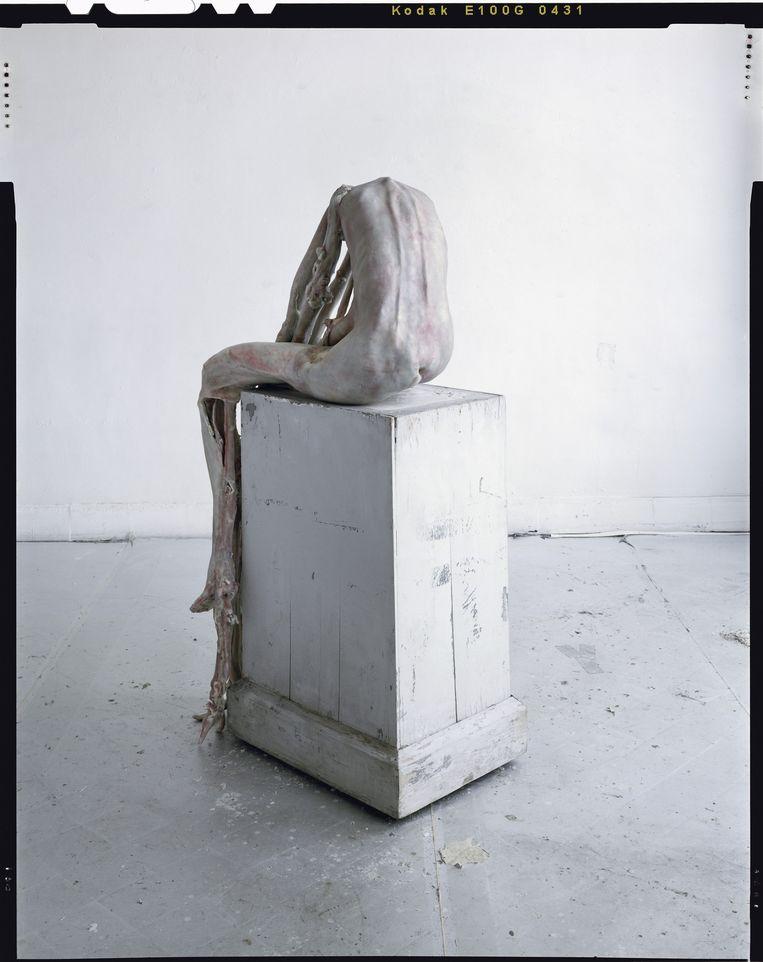 Marthe, 2008 (was, hout, epoxy, ijzer). Privécollectie Antwerpen. Beeld Mirjam Devriendt