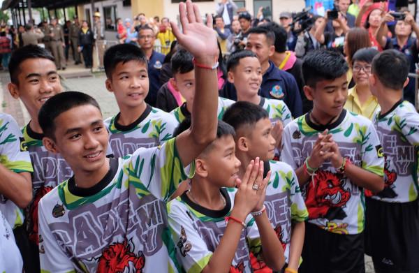 **Thaise voetballers vertellen voor het eerst hun verhaal: 'Ik zal een modelburger worden'**