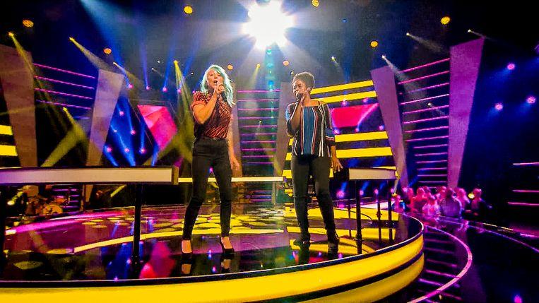 Petra tijdens de battles van 'The Voice'.