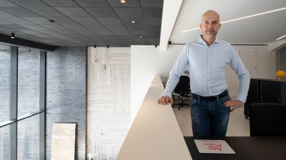 De Backer Haarden toont nieuwe showroom met sfeerboxen en coworkspace