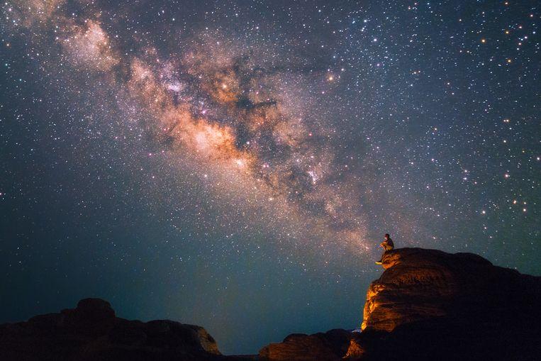 In ruim zeventig landen, verspreid over de hele wereld, peinzen mensen nu over hoe ze 'hun' ster en planeet moeten noemen.  Beeld Getty Images
