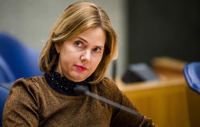 Minister Cora van Nieuwenhuizen (Infrastructuur en Waterstaat) tijdens het plenaire debat in de Tweede Kamer over de Stint