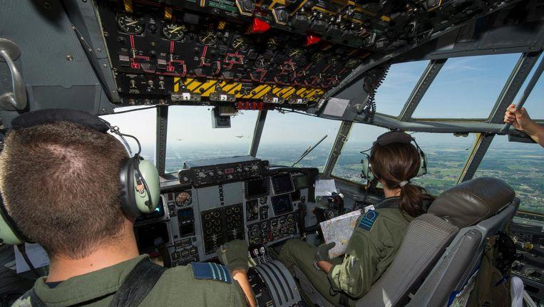 Foto ter illustratie: de cockpit van een C-130 van de Belgische luchtmacht