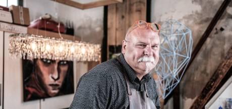In 2021 dubbel feest in Doesburg: Eddy stopt duizenden euro's in straattheater