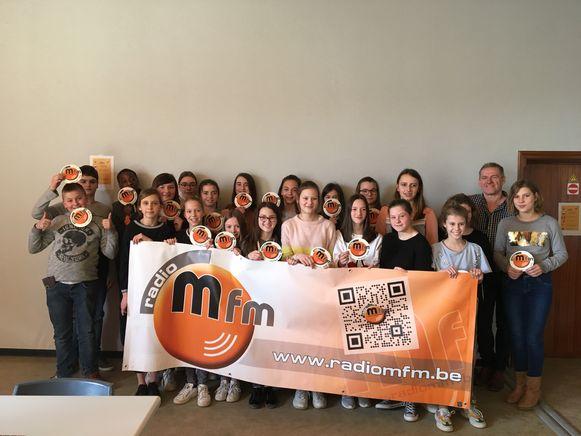 De leerlingen kregen te zien en te horen hoe er achter de schermen van radio M fm wordt gewerkt.