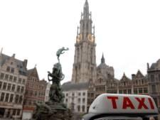 Taxichauffeur stopt vandalen