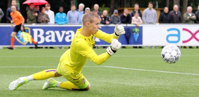 Maxime Delanghe in actie voor PSV onder 19.